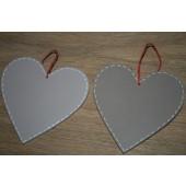 Bruine houten hartjes